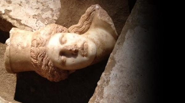 Νέα μεγάλη ανακάλυψη:Βρέθηκε το κεφάλι της ανατολικής Σφίγγας στην Αμφίπολη!