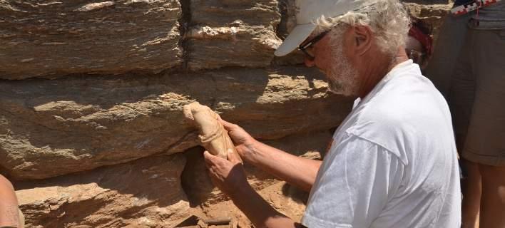 Ανασκαφές στην Κύθνο αποκάλυψαν ιερά του Ασκληπιού και της Αφροδίτης -Ειδώλια, κίονες